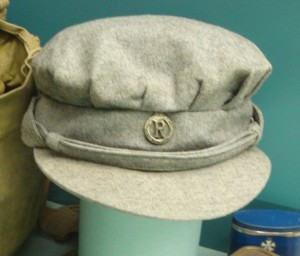 Later style of cap, introduced during WW2, showing the slightly different badge worn by a QAIMNS(R)
